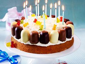 Kindergeburtstag-Torte mit Mini-Schaumküssen Rezept