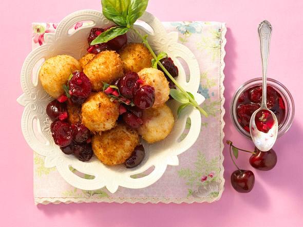 Kirsch-Basilikum-Chutney zu Kokos-Milchreis Rezept