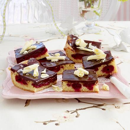 kirsch brownies mit wei er schokolade rezept chefkoch rezepte auf kochen backen. Black Bedroom Furniture Sets. Home Design Ideas