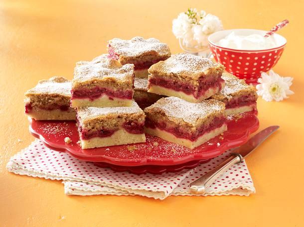 Kirsch-Haselnuss-Kuchen Rezept