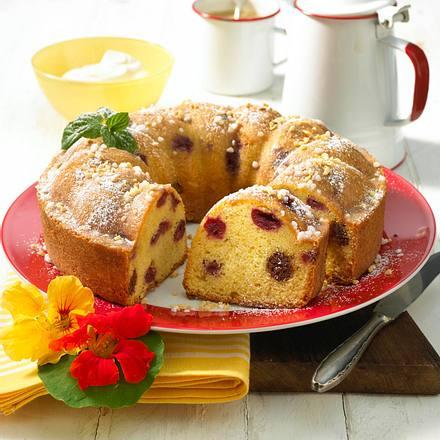 Kirsch-Marzipan-Kranzkuchen Rezept