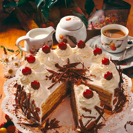 kirsch mokka torte rezept chefkoch rezepte auf kochen backen und schnelle gerichte. Black Bedroom Furniture Sets. Home Design Ideas