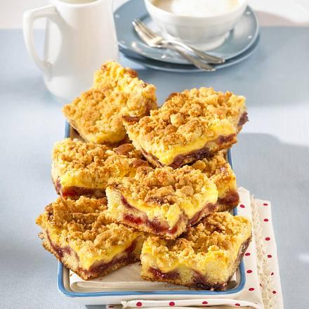 Kirsch-Puddingschnitten mit Butterstreuseln Rezept