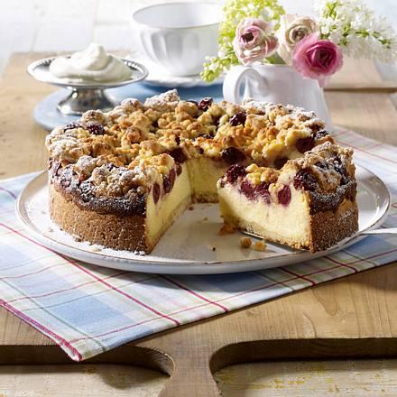 Kirsch-Streuselkuchen mit Mascarpone-Quark-Creme und Mandeln Rezept