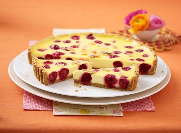 Kirsch-Tarte mit Keksboden Rezept