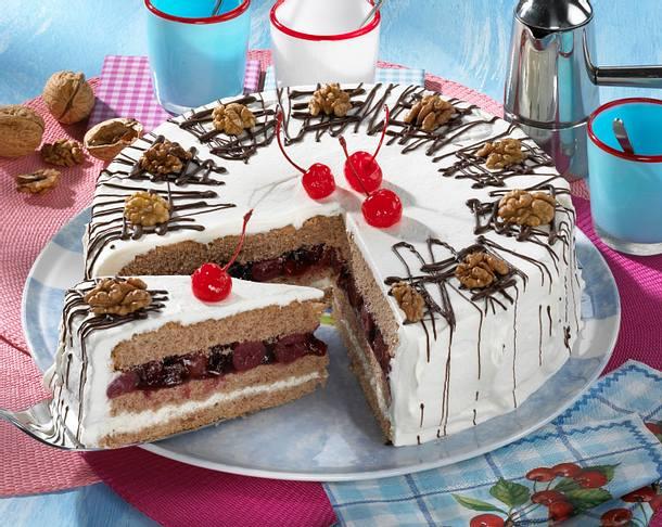 Kirsch-Zimt-Torte mit Walnüssen Rezept