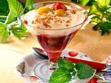 Kirschgrütze mit Grießschaum und Mirabellen Rezept
