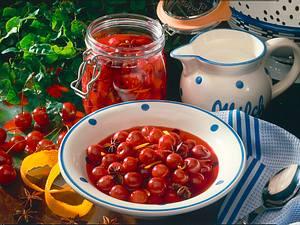 Kirschkompott mit Orangenschale Rezept