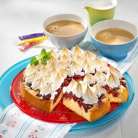 Kirschkuchen mit Baisertupfen Rezept