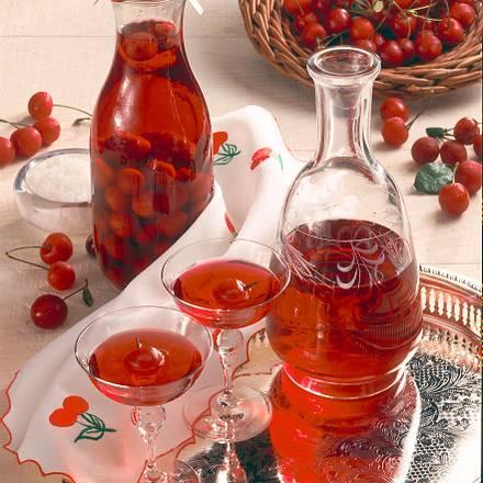 Kirschlikör (Aufgesetzter) Rezept