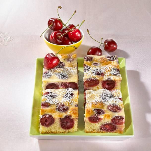 Kirschschmand-Blechkuchen Rezept