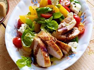 Kirschtomaten-Aprikosen-Salat Rezept