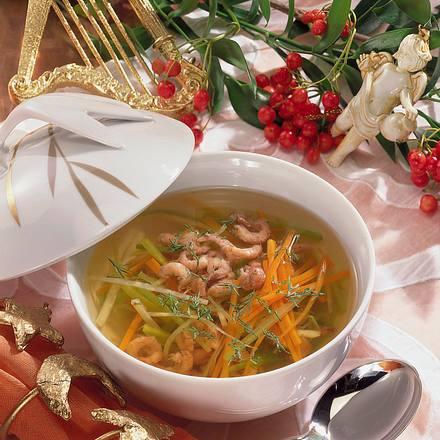 Klare Fisch-Bouillon mit Krabben und Gemüse Rezept