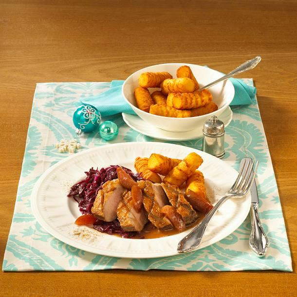 Klassische Entenbrust zu Rotwein-Pflaumensoße und Rotkohl Rezept