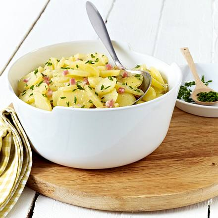 klassischer kartoffelsalat mit br he rezept chefkoch rezepte auf kochen backen. Black Bedroom Furniture Sets. Home Design Ideas