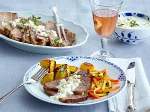 Klassischer Tafelspitz mit Meerrettich-Apfel-Soße, Möhren-Zucchini-Julienne und gerösteten Kartoffelspalten Rezept
