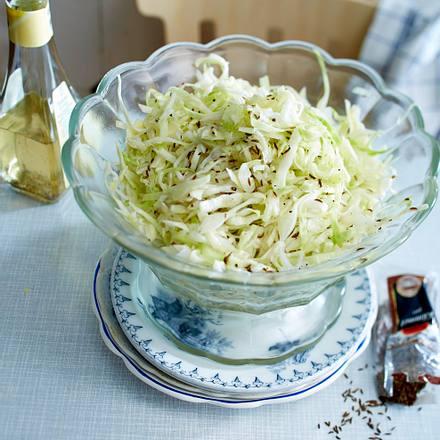 Klassischer Weißkohlsalat Rezept