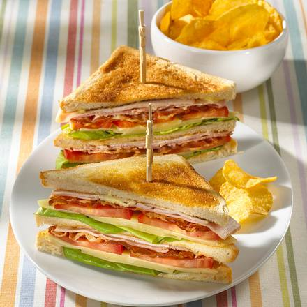 klassisches club sandwich mit chips rezept. Black Bedroom Furniture Sets. Home Design Ideas