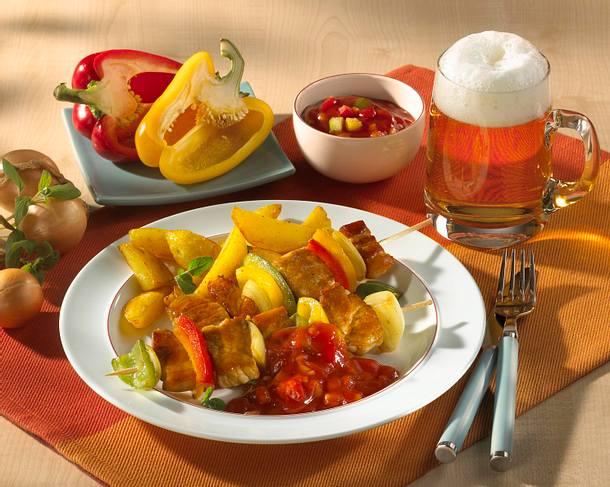 Klassisches Schaschlik mit Zwiebel, Speck und Paprika Rezept