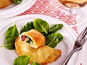 Kleine Calzone mit Artischocken, Spinat und Mozzarella Rezept