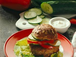 Knackig-frischer Vollwert-Hamburger Rezept