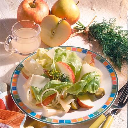 Knackiger Apfel-Käse-Salat Rezept