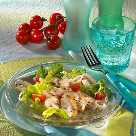 Knackiger Salat mit zarter Hähnchenbrust Rezept