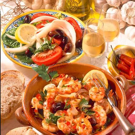Knoblauch-Gambas mit Salat Rezept