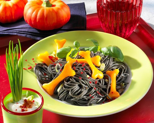 Knochensalat mit Kräuter-Creme Rezept