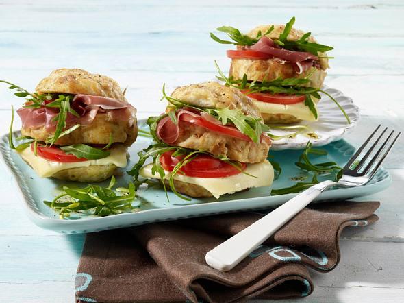 Knödelburger auf Rucola-Salat Rezept