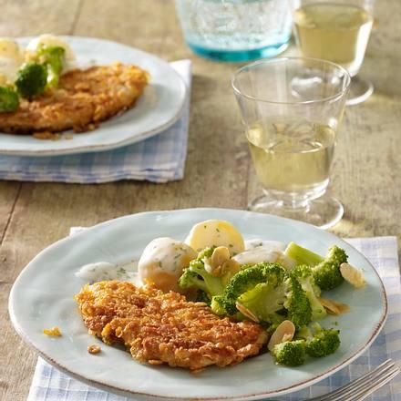 Knusper-Putenschnitzel zu Béchamelkartoffeln und Mandelbrokkoli Rezept