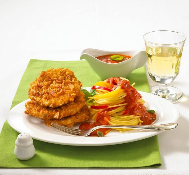 Knusper-Schnitzel mit Paprika-Nudeln Rezept