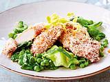 Hähnchenknusperschnitzel mit geschmortem Salat Rezept