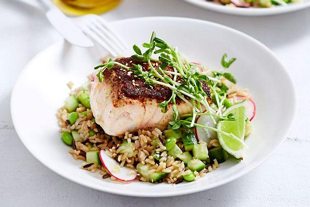 "Knusperkabeljau ""Big in Japan"" auf Edamame-Reis-Salat rezept"