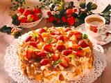 Knusprige Erdbeer-Schokoladensahne-Torte Rezept