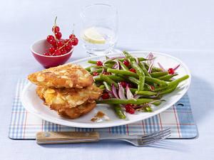 Knusprige Filets in Mandelhülle zu Bohnensalat Rezept