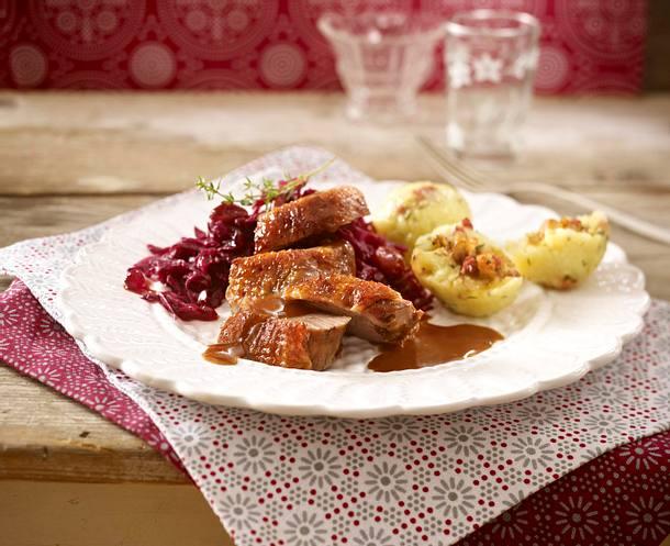 knusprige g nsebrust mit sauerkirsch rotkohl rezept chefkoch rezepte auf kochen. Black Bedroom Furniture Sets. Home Design Ideas