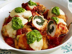 Knusprige Ofen-Hähnchenrouladen mit Spinat-Mozzarella-Füllung Rezept