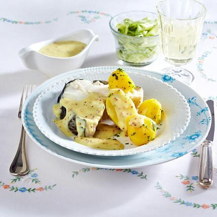Kochfisch in Senfsoße mit Gurkensalat Rezept