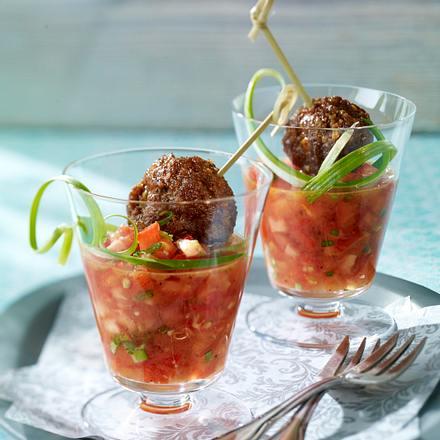 Köfte auf Tomaten-Salsa Rezept
