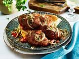 Köfte mit türkischem Tomaten-Zwiebel-Salat Rezept