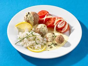 Königsberger Klopse mit Zitronen-Joghurtsoße und Tomatensalat Rezept