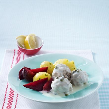 Königsberger Mini-Klopse mit Roter Bete und Petersilienkartoffeln Rezept