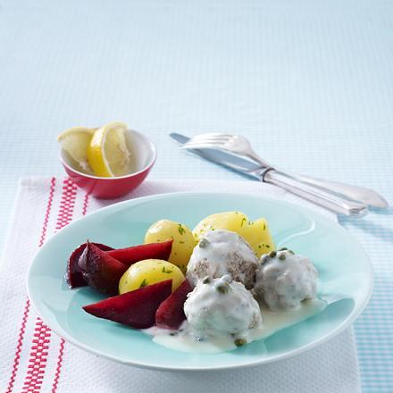 Königsberger Mini-Klopse mit Roter Bete und Petersilienkartoffeln (Single) Rezept
