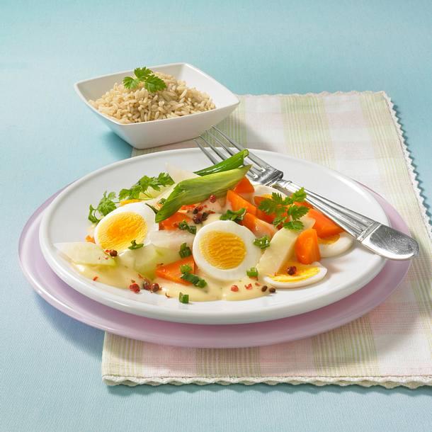 Kohlrabi-Möhren-Ragout mit Ei Rezept