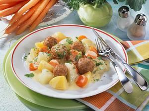 Kohlrabi-Möhrengemüse mit Klößchen Rezept