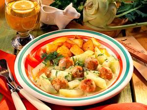 Kohlrabigemüse mit Bratwurstklößchen Rezept