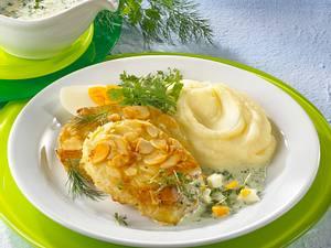 Kohlrabischnitzel in Mandelkruste mit grüner Kräutersoße Rezept