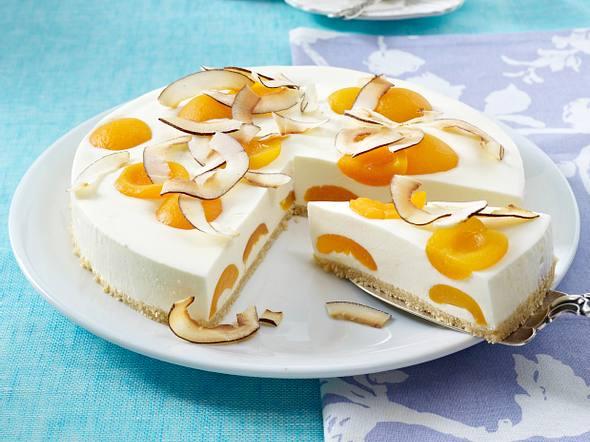 Kokos-Buttermilch-Torte mit Aprikosen Rezept