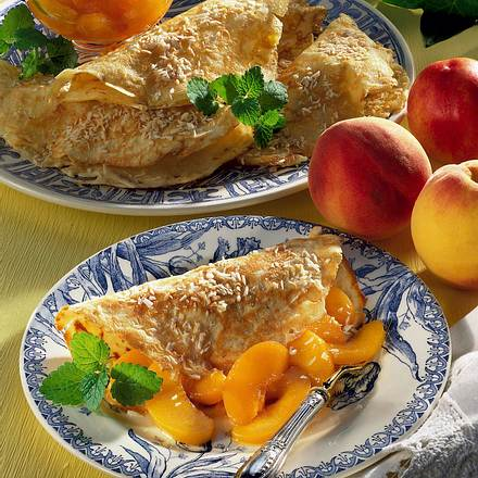 Kokos-Crepes mit Pfirsichen  Rezept